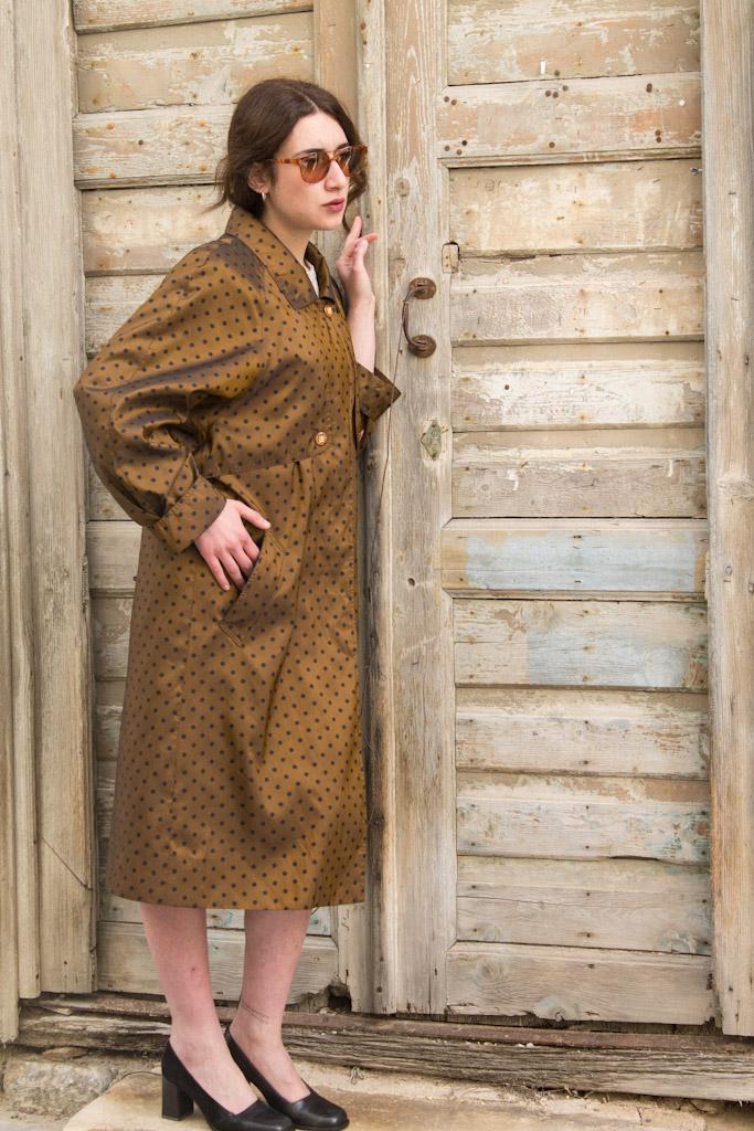english-light-coat-polkadots-brown-15