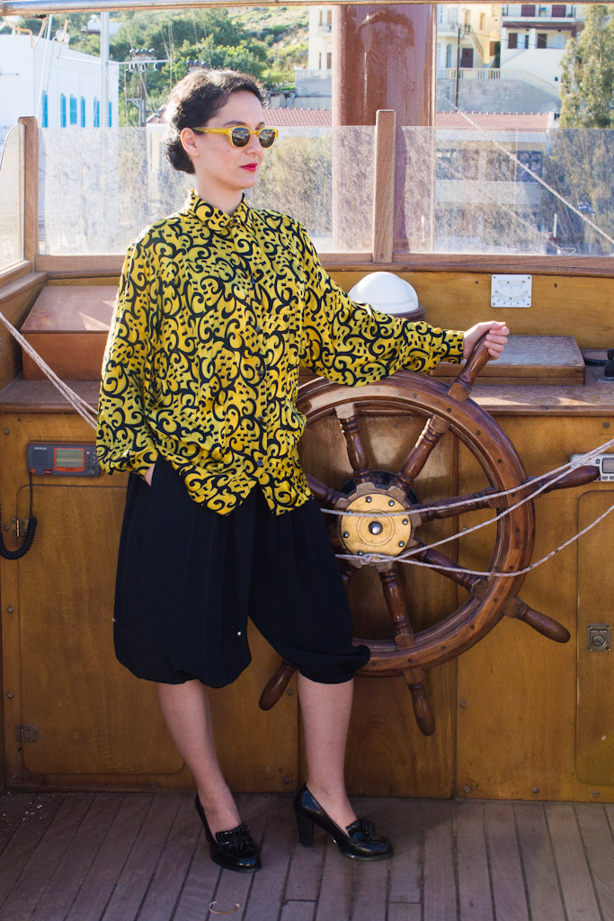 vintage-yellow-shirt-magic-bus-8