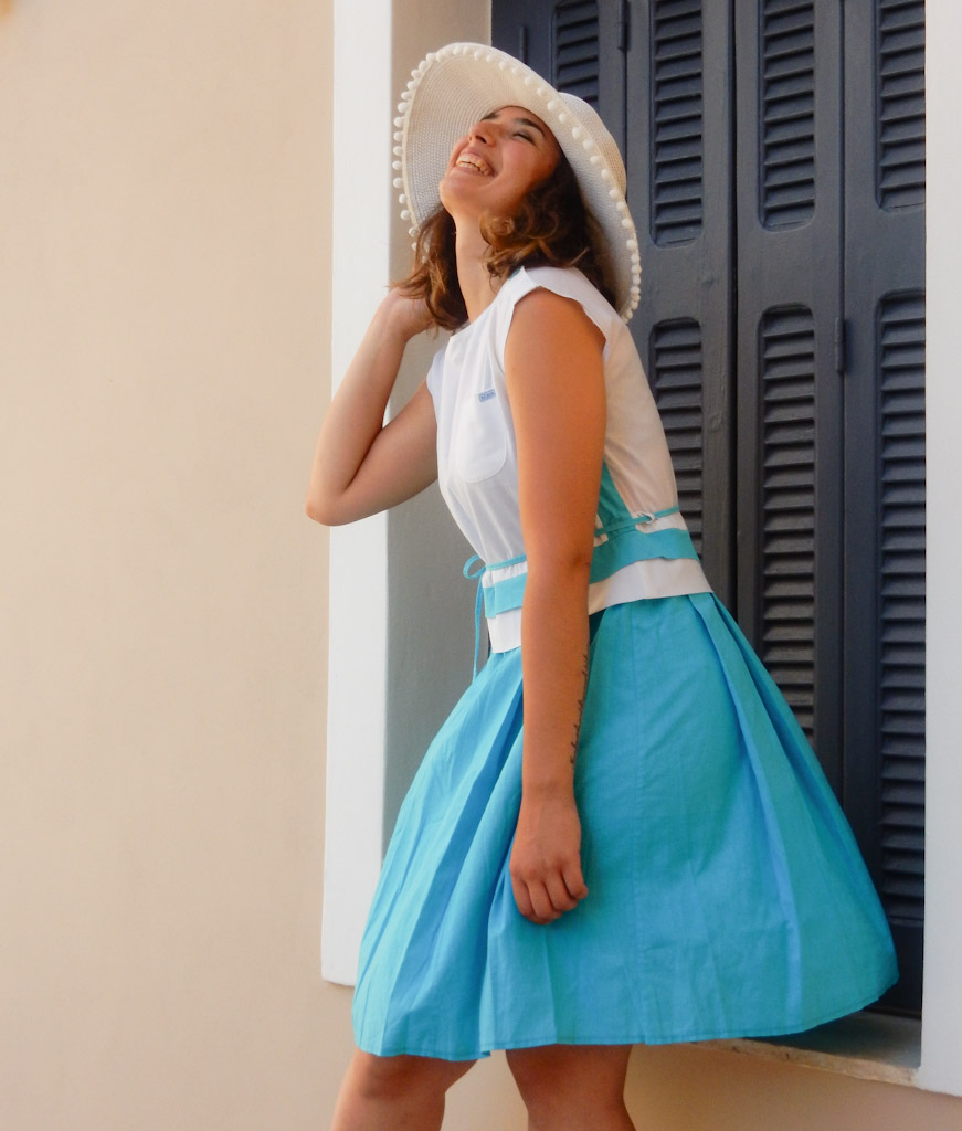 nurse-blue-dress-magicbus-1