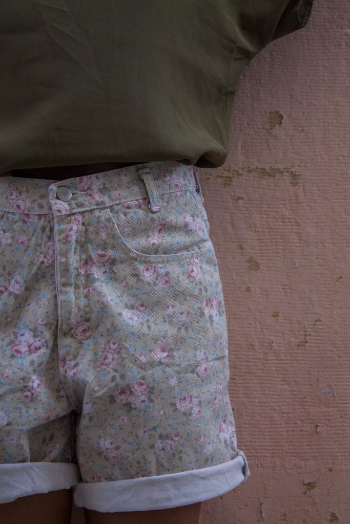 floral-denim-shorts-magicbus-vintage-30