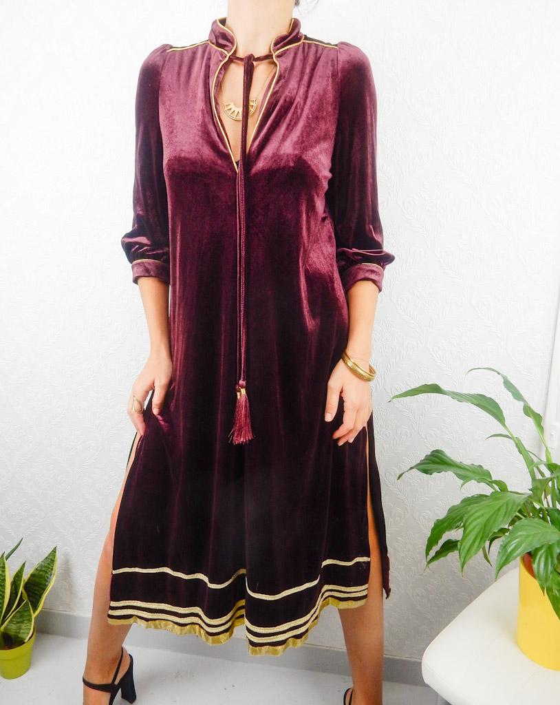 vintage-thick-velour-burgundy-glod-dress-side-splits-5