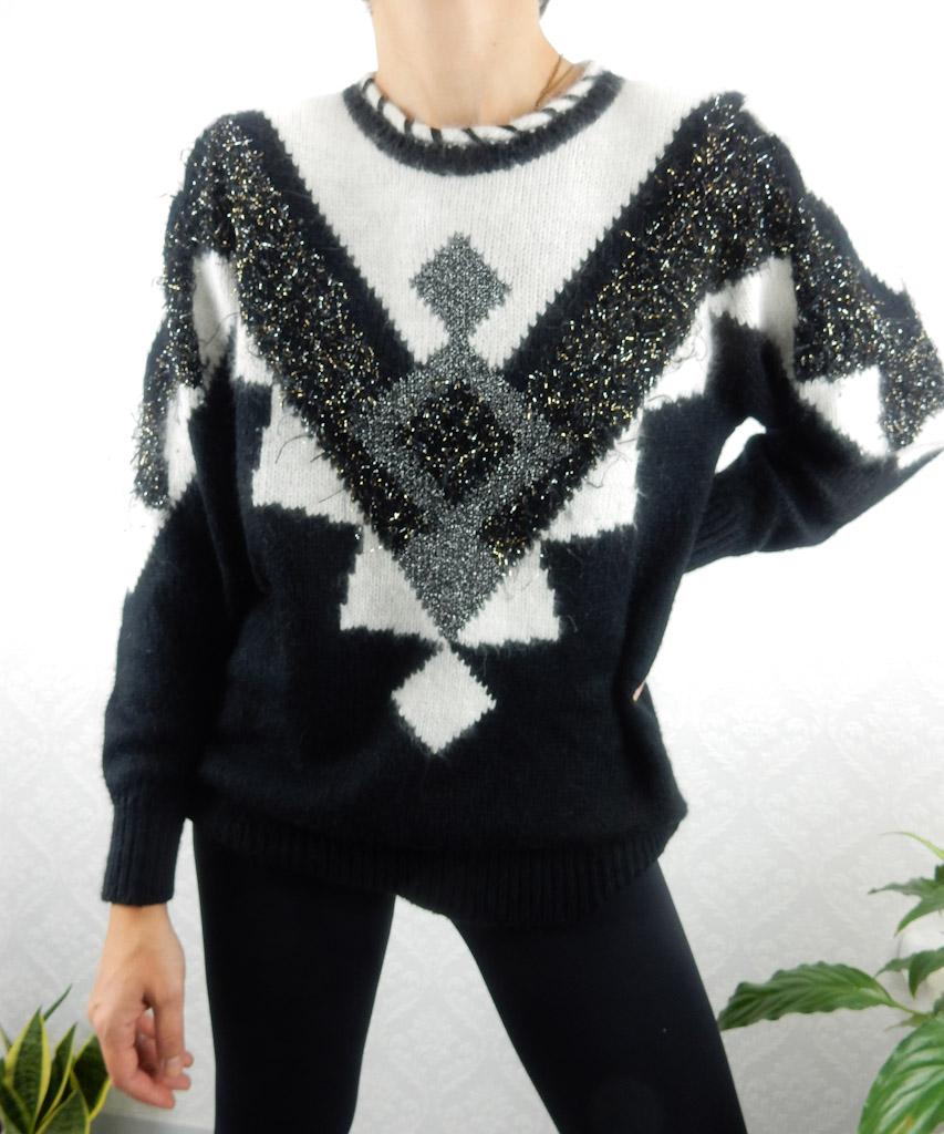 black-white-knit-oversized-silver-1