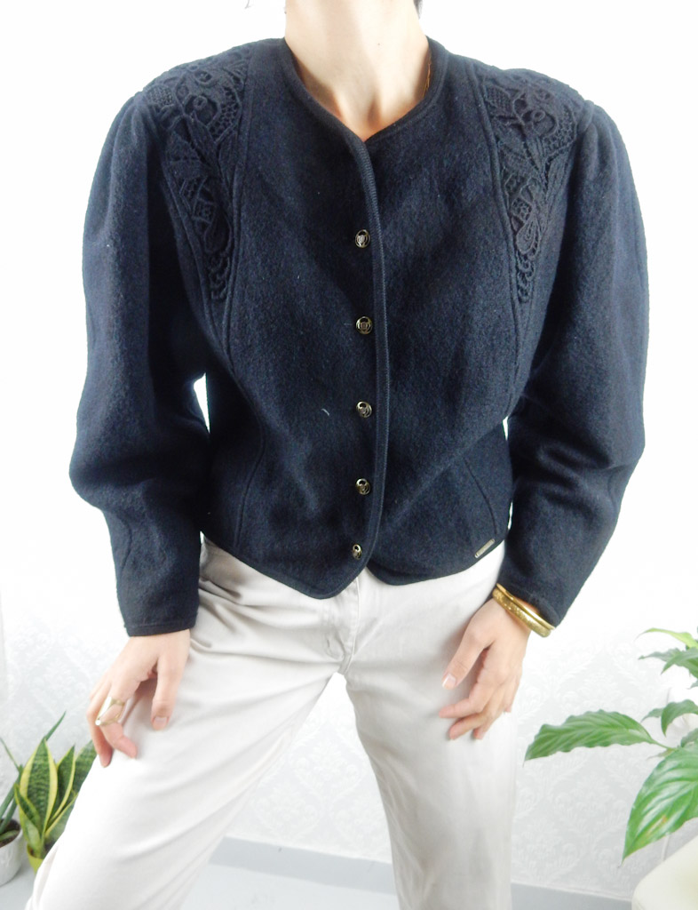vintage-black-wool-cardigan-engraved-laces-gold-buttons-1