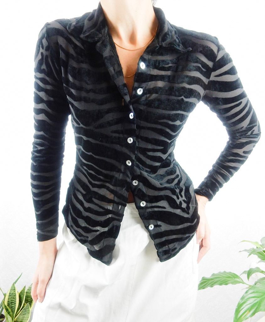 vintage-shirt-animal-print-velvet-transparent-2